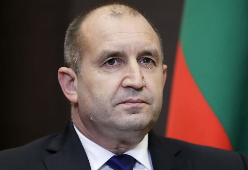 Президент Болгарии распустил парламент и назначил новые выборы