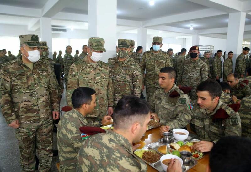 Закир Гасанов посетил подразделения, дислоцирующиеся на освобожденных территориях