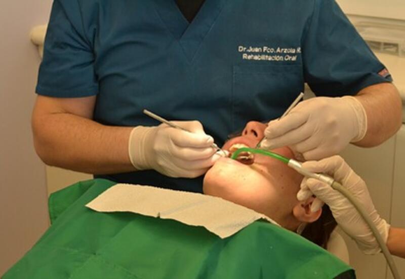 Стоматологи связали болезнь десен с тяжелым течением COVID-19