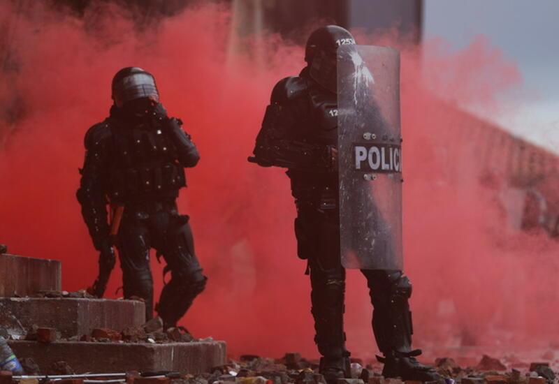 Во время протестов в Колумбии погибло более 40 человек