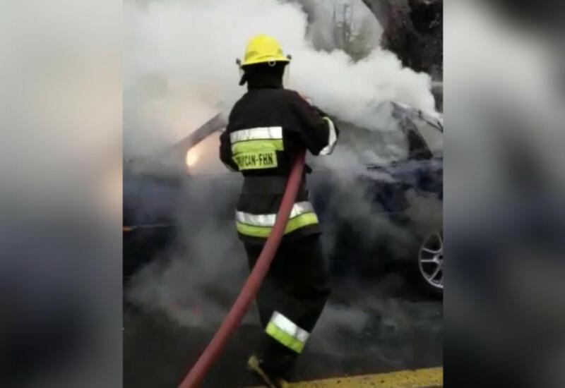 В Билясуваре сгорел легковой автомобиль