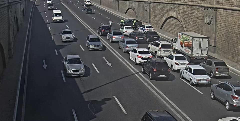 ДТП в Баку стало причиной затора