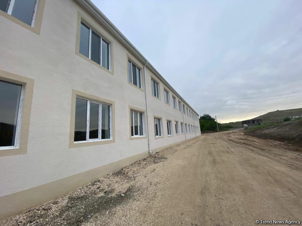 В Зангилане строится новая воинская часть Госпогранслужбы