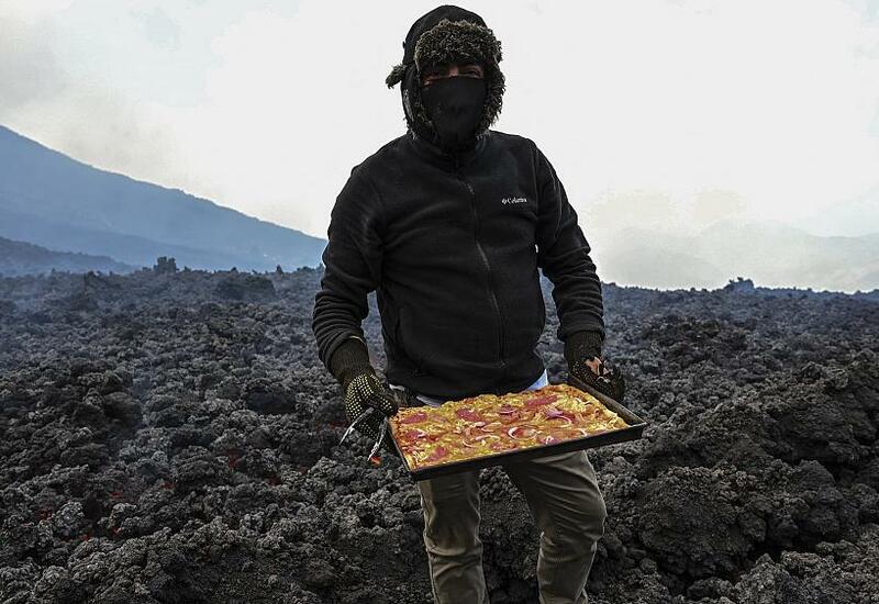 Пицца на раскаленной лаве: туристы говорят, что хрустит восхитительно …