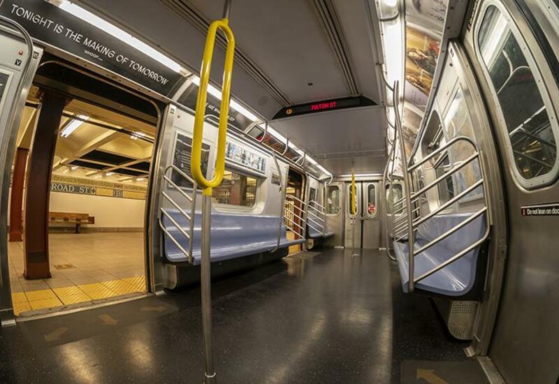 Хулиганы напали на пассажиров метро в Нью-Йорке
