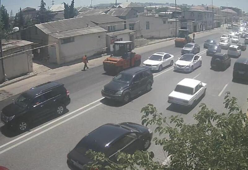 На одном из бакинских шоссе частично ограничено движение