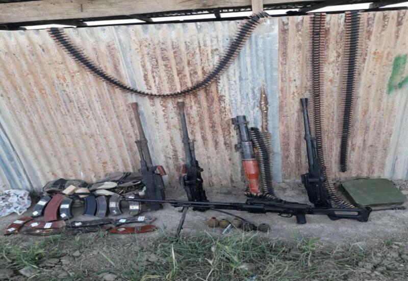 В Ходжавенде на оставленных армянами боевых позициях обнаружены боеприпасы