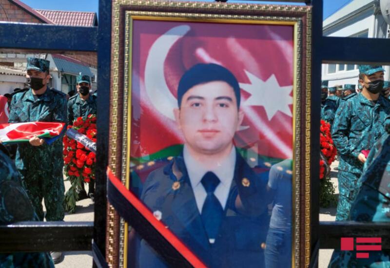 В Товузе похоронен офицер, погибший в результате инцидента на государственной границе