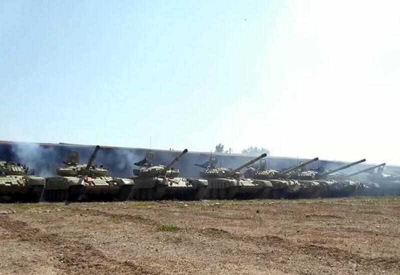 Привлеченные к учениям танковые подразделения ВС Азербайджана выполняют поставленные задачи
