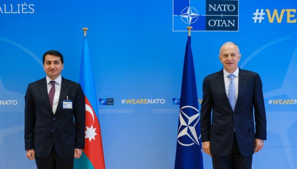 Хикмет Гаджиев встретился с заместителем генсека НАТО в Брюсселе