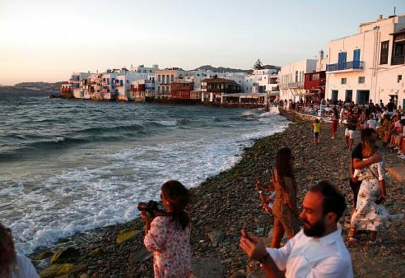 Греческий остров вновь принимает туристов