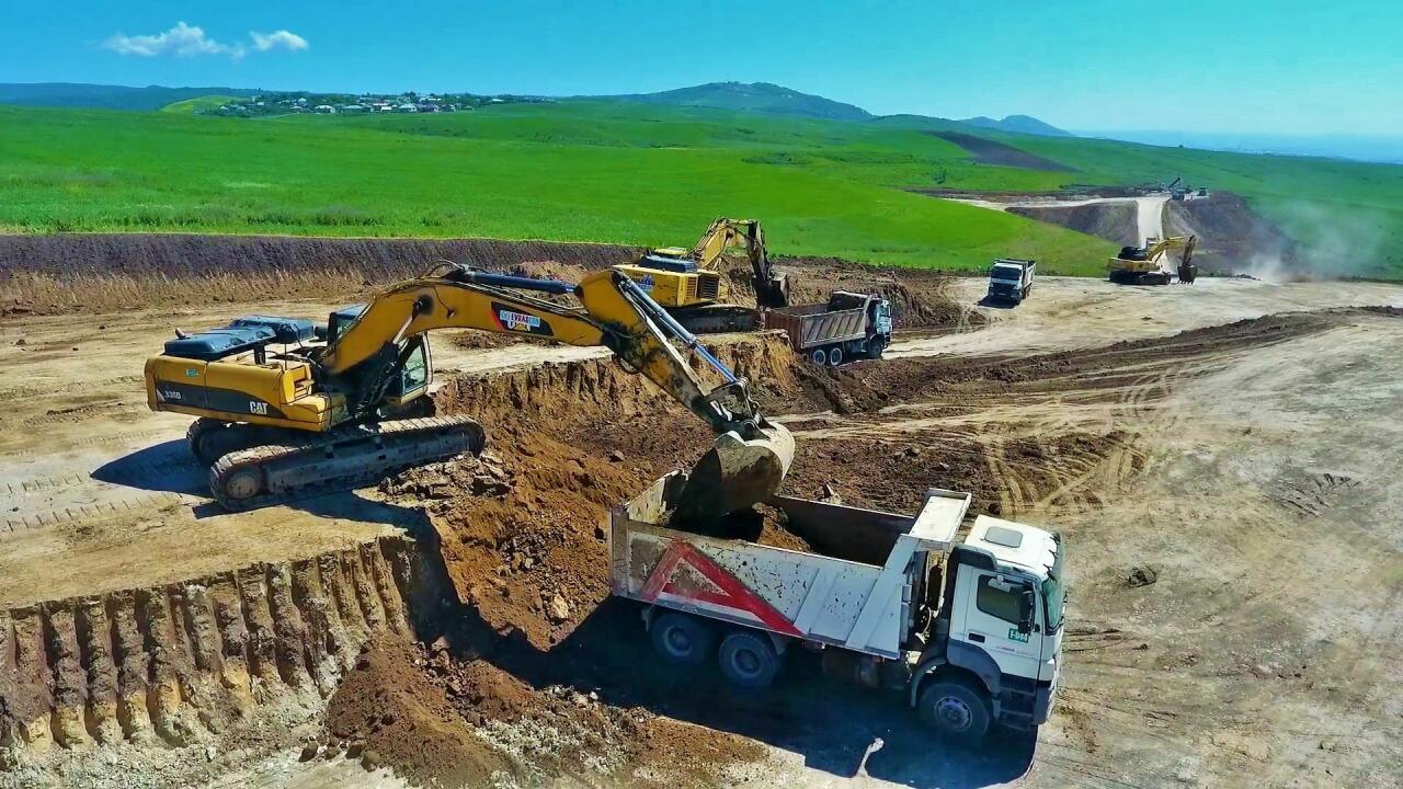 Началась реконструкция самой короткой дороги, соединяющей семь районов Азербайджана