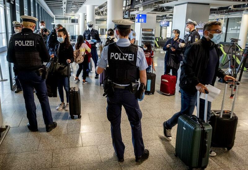 """В ЕС договорились о введении """"зелёных паспортов"""""""