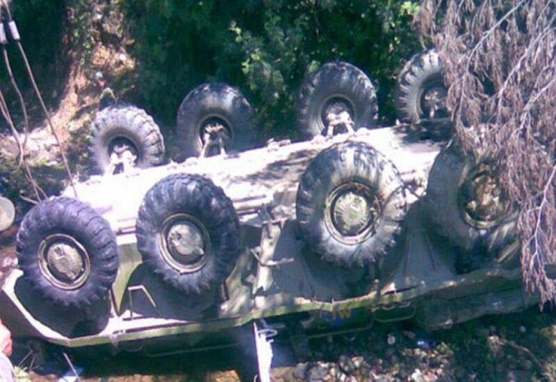 В Армении БТР упал в ущелье