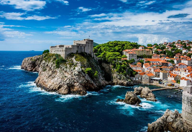 Хорватия и Испания открывают объятия для туристов