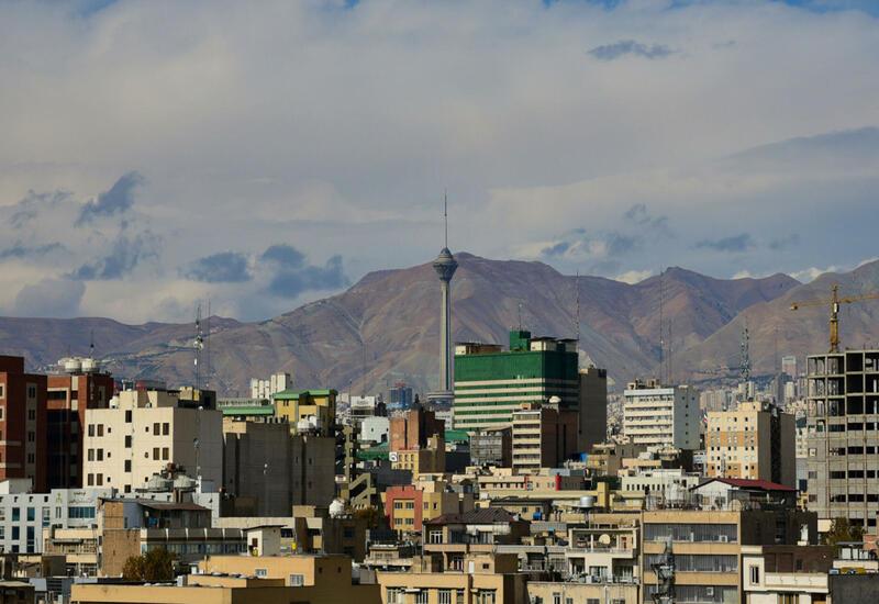 В Тегеране более 30 госучреждений остались без электричества