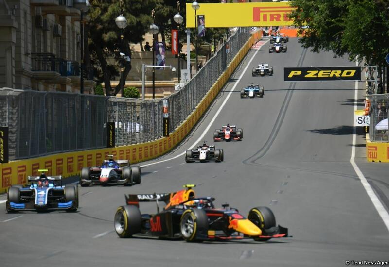 В рамках Гран-при Азербайджана стартовал спринт в классе Формулы-2