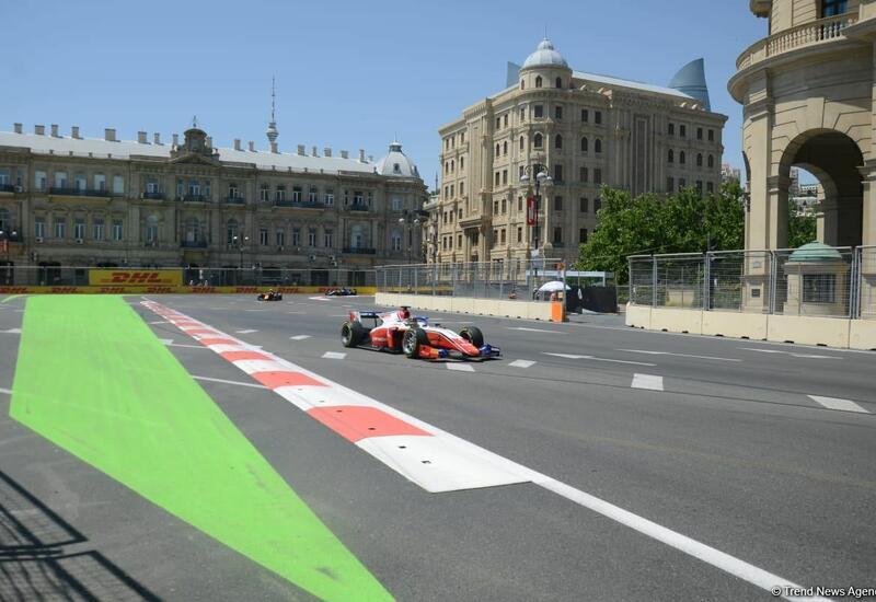 В рамках Гран-при Азербайджана в Баку стартовал третий свободный заезд в классе Формулы-1