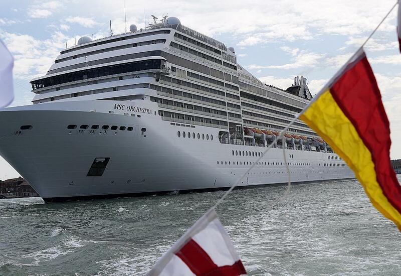 В Венецию возвращаются круизные лайнеры