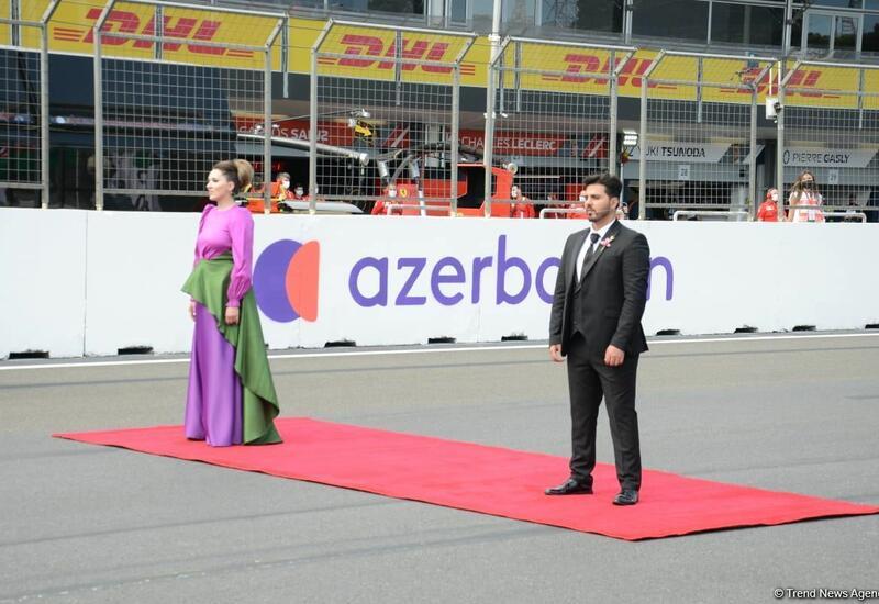 Церемония исполнения государственного гимна на Гран-при Азербайджана Формулы-1