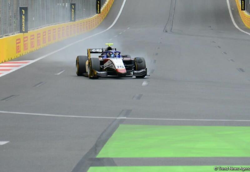 Первые аварии в третьей спринтерской гонке Формулы-2