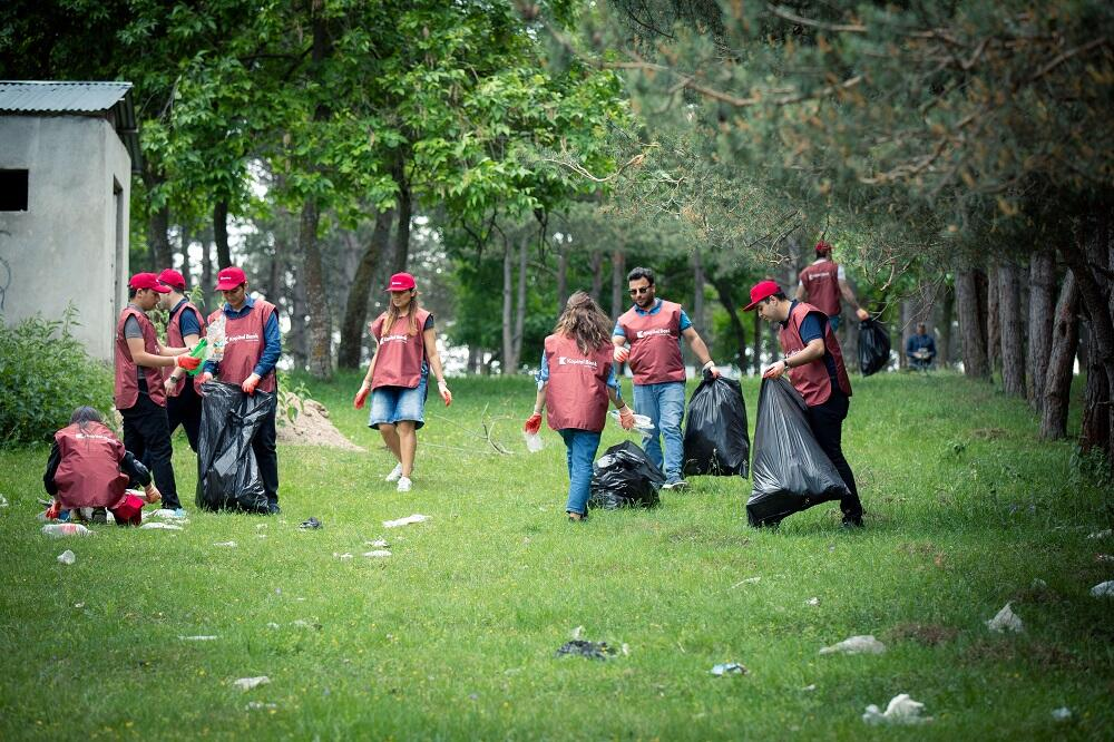 Kapital Bank провел экологическую акцию в Хошбулаге