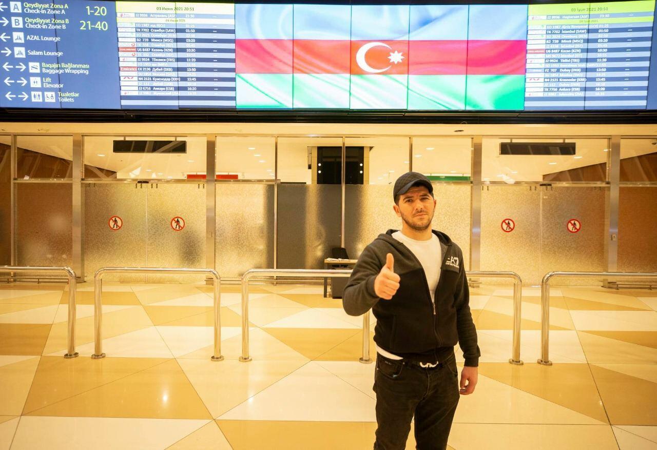 Еще пятеро участников Отечественной войны вернулись в Азербайджан после лечения в Турции