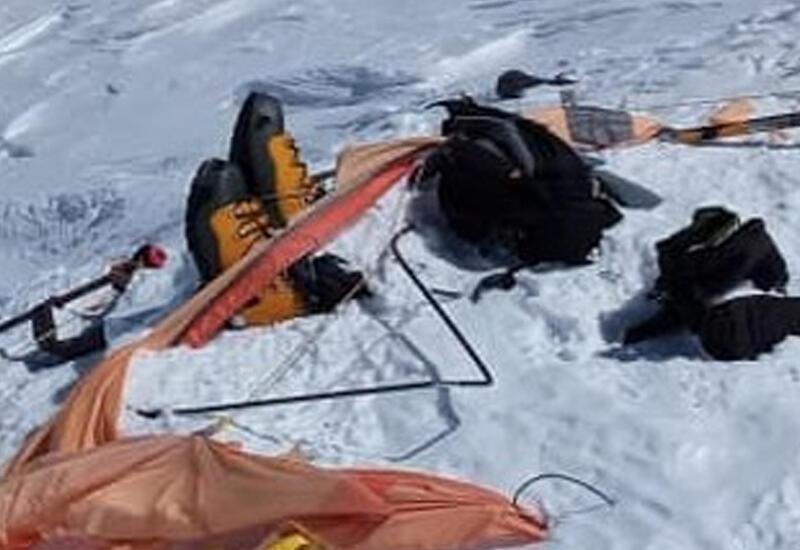 Упавший в расщелину на Эльбрусе альпинист снял видео перед спасением