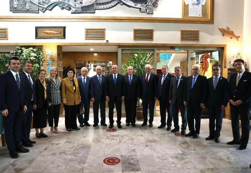Мевлют Чавушоглу встретился с делегацией парламента Азербайджана