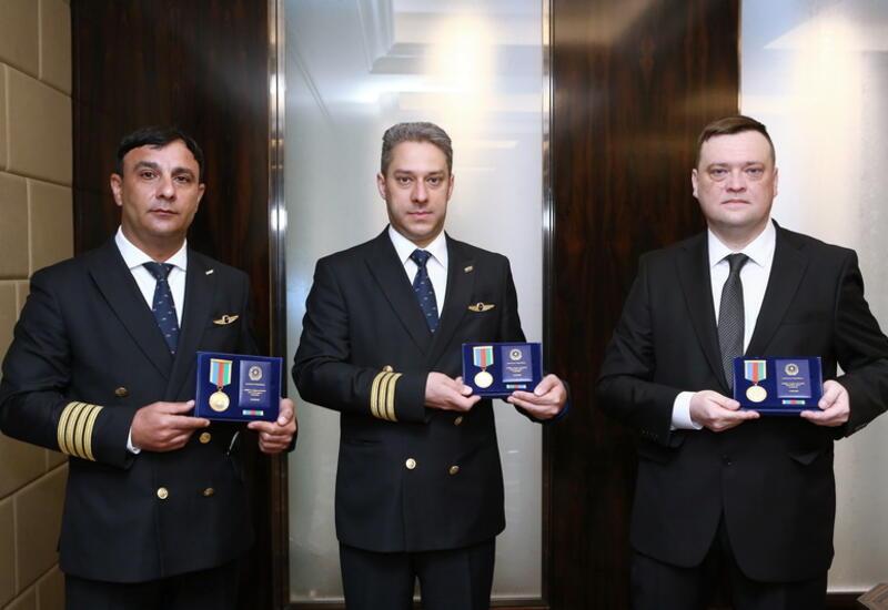 Сотрудники Silk Way West Airlines награждены по случаю профессионального праздника