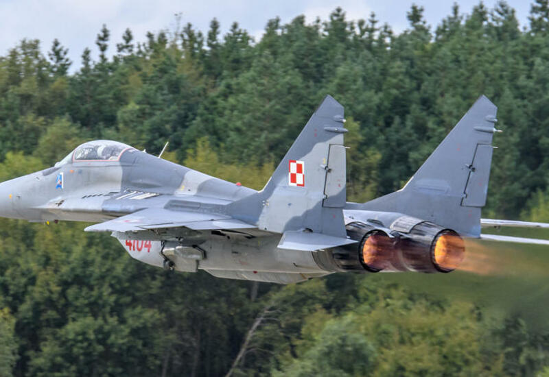 Польский истребитель по ошибке обстрелял самолет во время учений