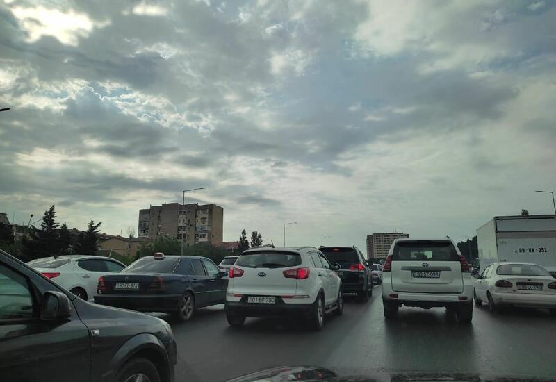 Крупная пробка на дороге Баку-Сумгайыт