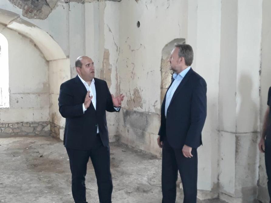 Делегация Боснии и Герцеговины увидела последствия армянского вандализма в Агдаме