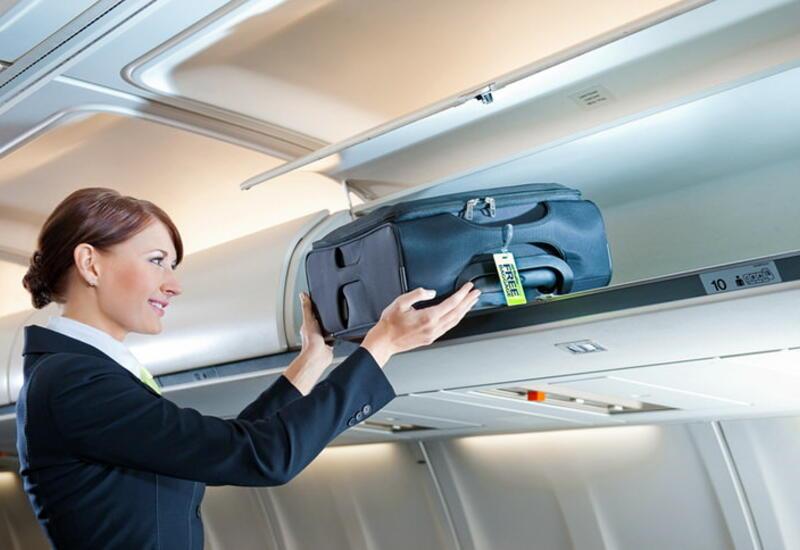 В Азербайджане пассажирам разрешат провозить ручную кладь в самолете