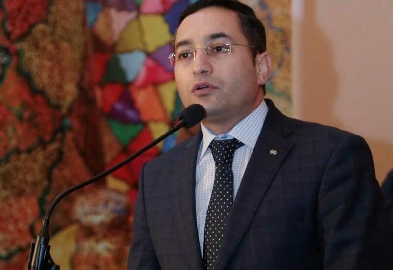 В Баку научат продавать картины