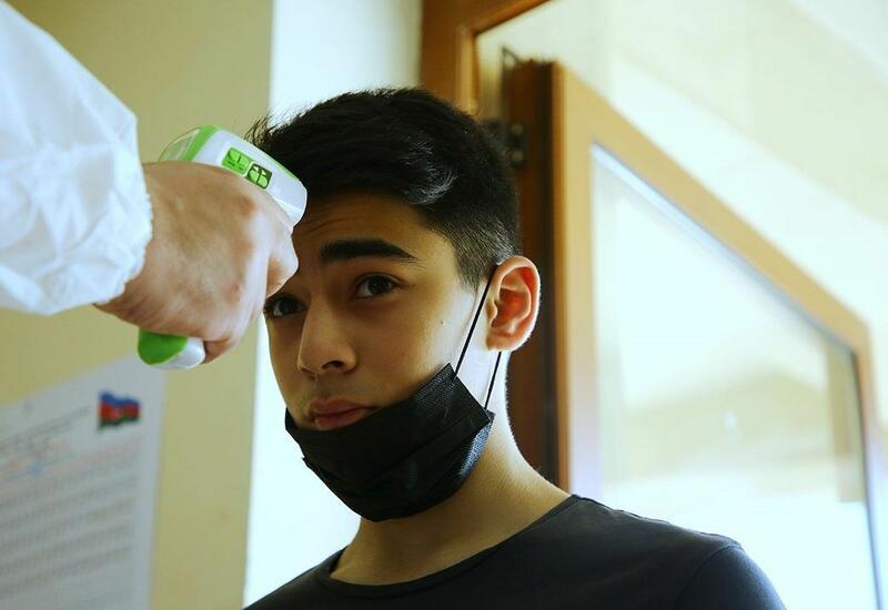 В Азербайджан 4 учащихся с высокой температурой не допустили на экзамен