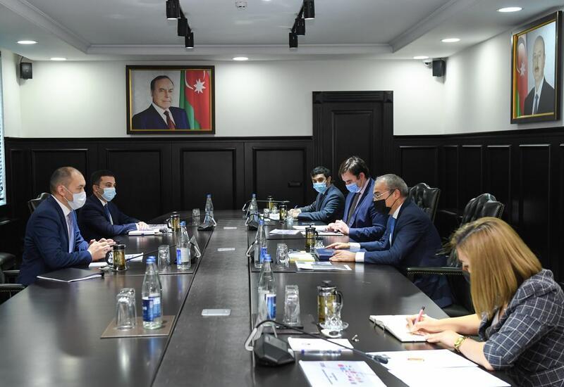 Микаил Джаббаров на переговорах с генсеком TRACECA