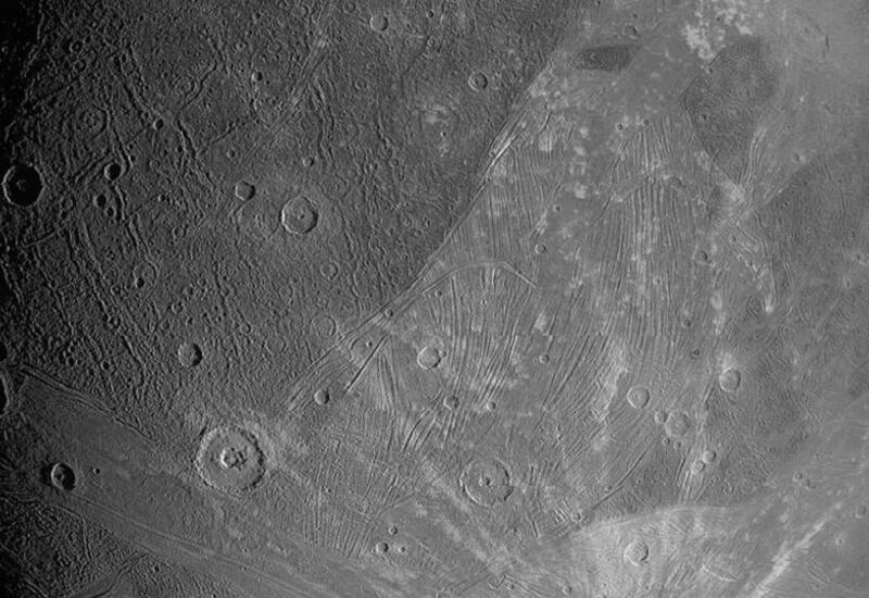 Аппарат NASA впервые за 20 лет снял крупнейший спутник Юпитера