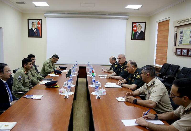Азербайджан и Пакистан обсудили проведение военных учений