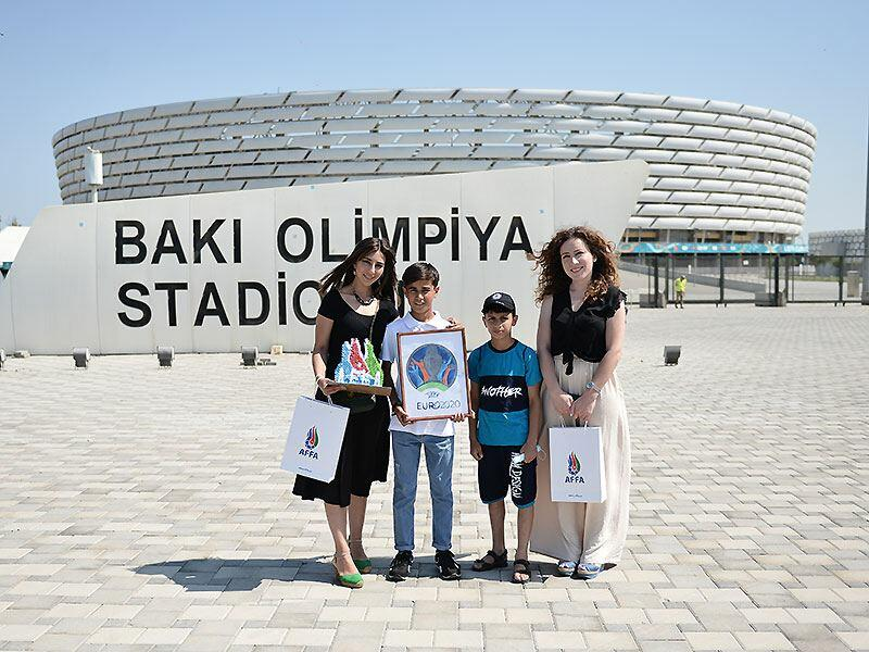 АФФА, Фонд YAŞAT и другие структуры подарили детям билеты на игру ЕВРО-2020