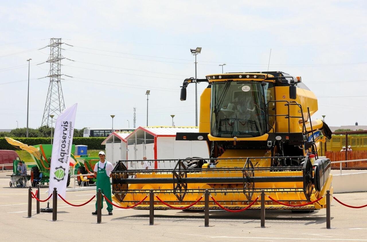 В Баку проходит 14-я Азербайджанская международная выставка сельского хозяйства