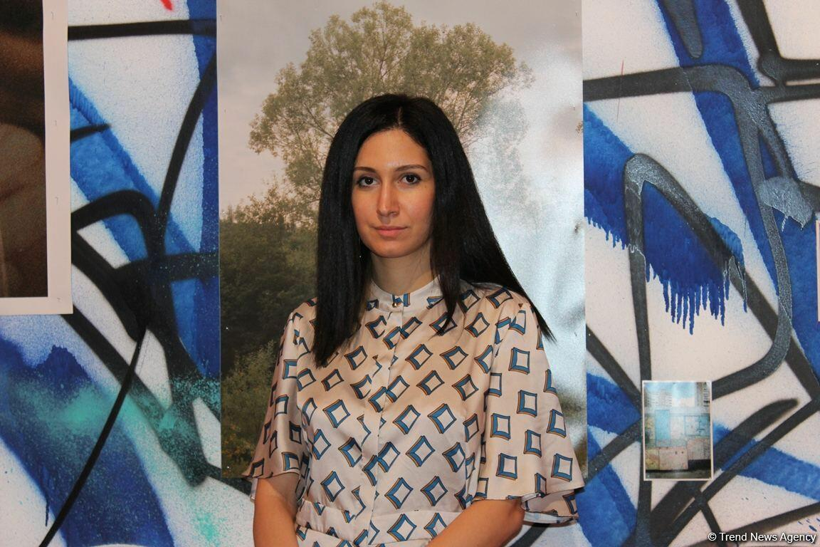 """YARAT представил новую групповую выставку """"Последние цветы XX века: поколение Y"""""""
