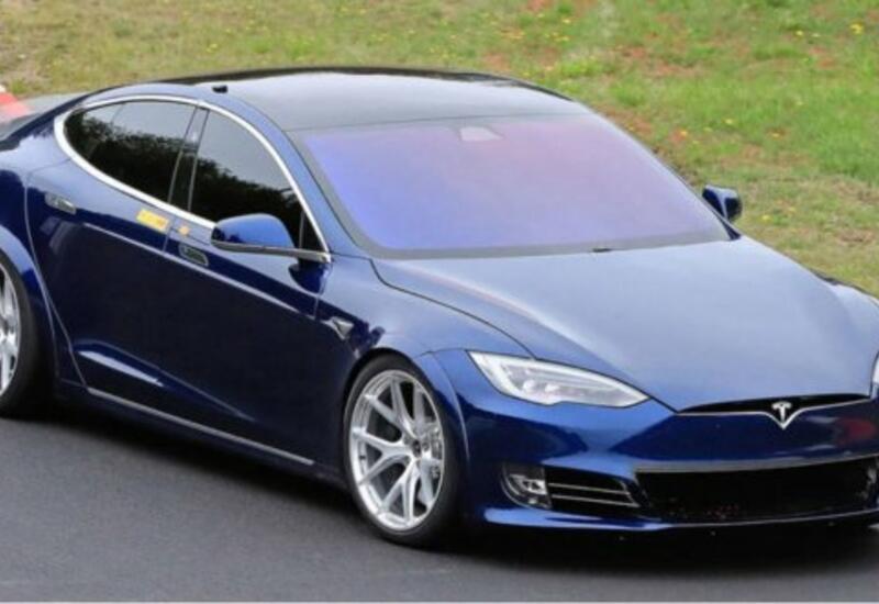 Tesla представила свой самый быстрый электромобиль