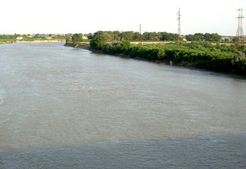 Спасен подросток, упавший в реку Кура