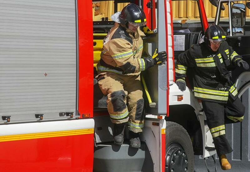 В России прохожие спасли троих детей из пожара в квартире