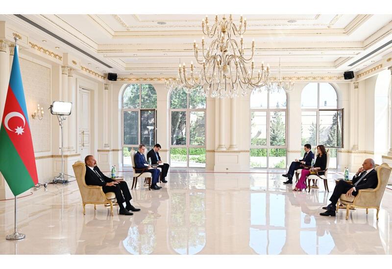 Президент Ильхам Алиев принял верительные грамоты новоназначенного посла Италии