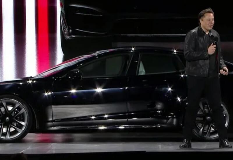 Маск лично представил новую Tesla
