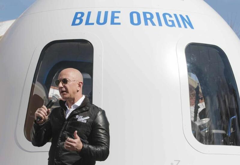 Место на полет в космос с Безосом продали за десятки млн.