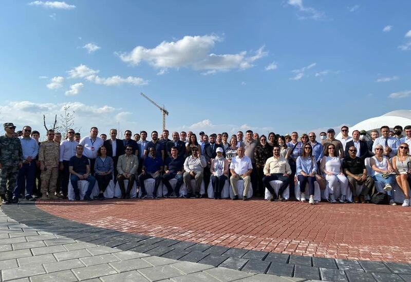 Завершилась поездка представителей иностранных дипмиссий в азербайджанский город Агдам
