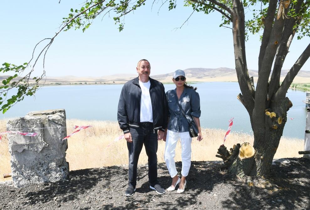 Президент Ильхам Алиев и Первая леди Мехрибан Алиева посетили водохранилище Ашагы Конделенчай в Физулинском районе